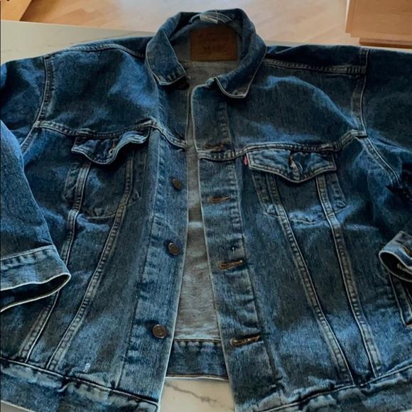 Levi's trucker jean jacket